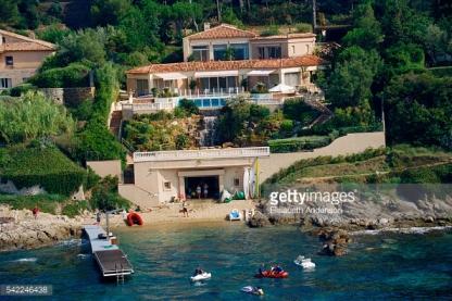 Yaz tatillerini geçirdiği ev